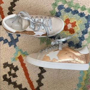 Shoes - Star Sneakers